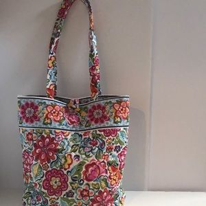 Adorable small Vera Bradley Tote bag